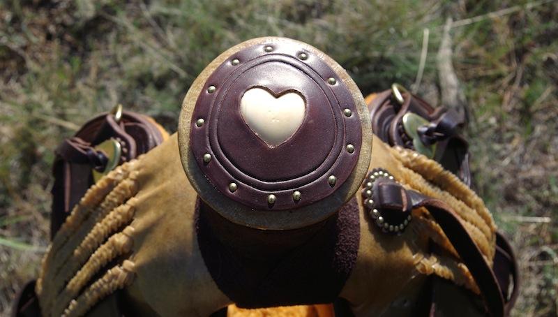 Ivory Heart Horn Cap